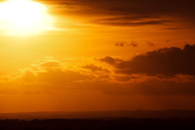 Ancora 24 ore di tempo buono e clima mite, mercoledi temporaneo peggioramento su tirreniche.
