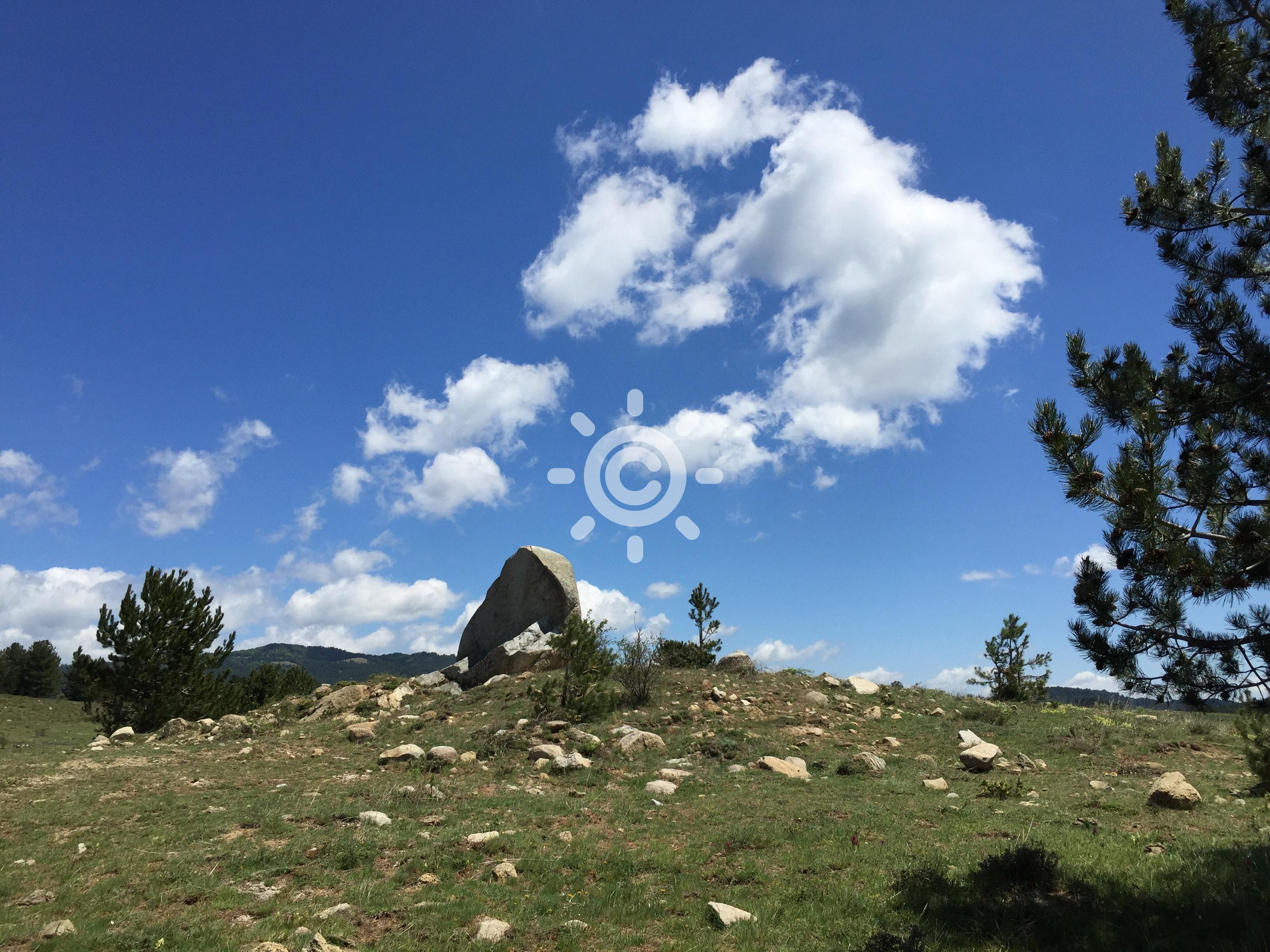 Bel tempo con qualche nuvola in piu sui rilievi