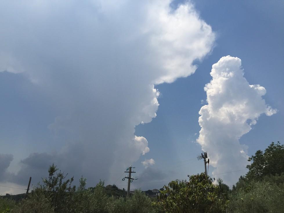 Il tempo di mercoledì e giovedì: caldo gradevole e debole instabilità...