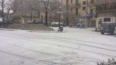 Neve su alto Tirreno cosentino. Fiocchi anche a Cosenza. Un'occhiata al prosieguo della giornata...