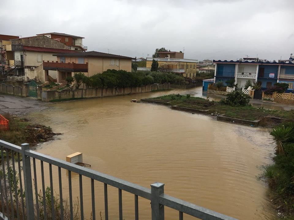 Il maltempo sferza lo Ionio centro-settentrionale: allagamenti a Corigliano, oltre 100 mm sulla Sila Greca...