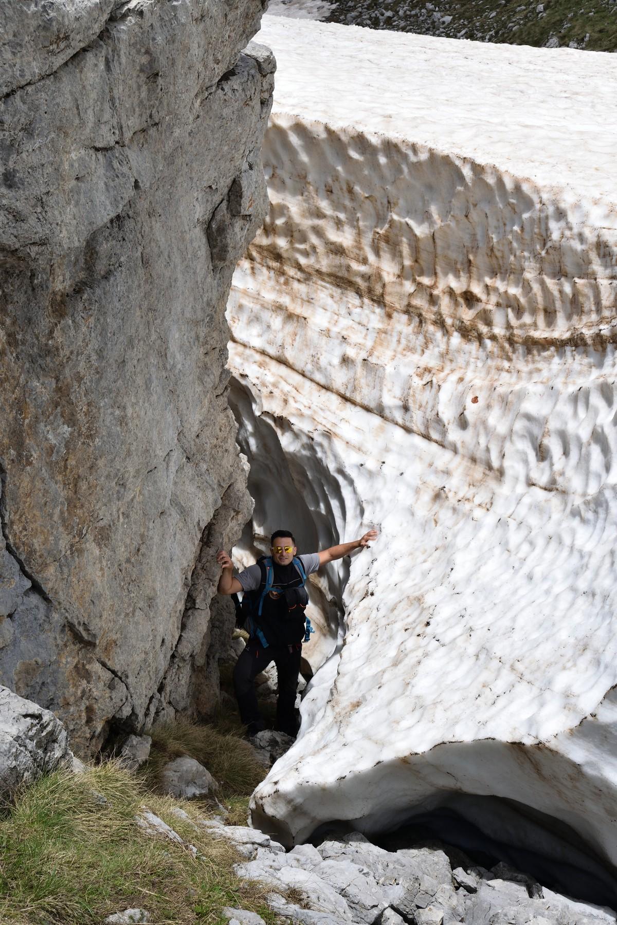 Nuove foto dal nevaio del Pollino - situazione al 27 maggio 2018