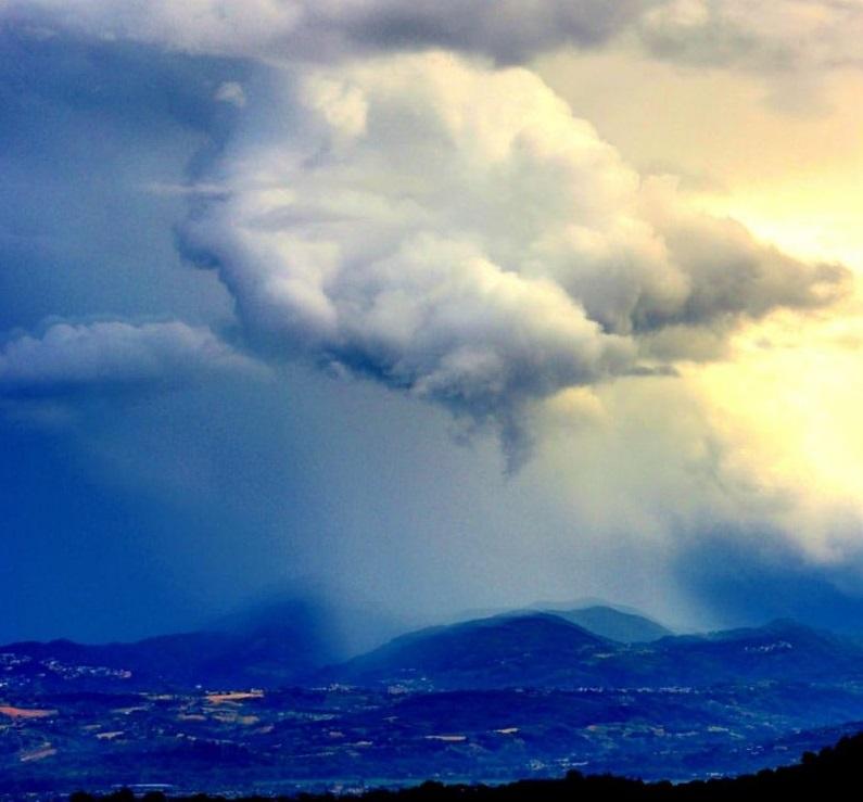 Meteo di sabato e domenica: fine settimana variabile con locali fenomeni instabili