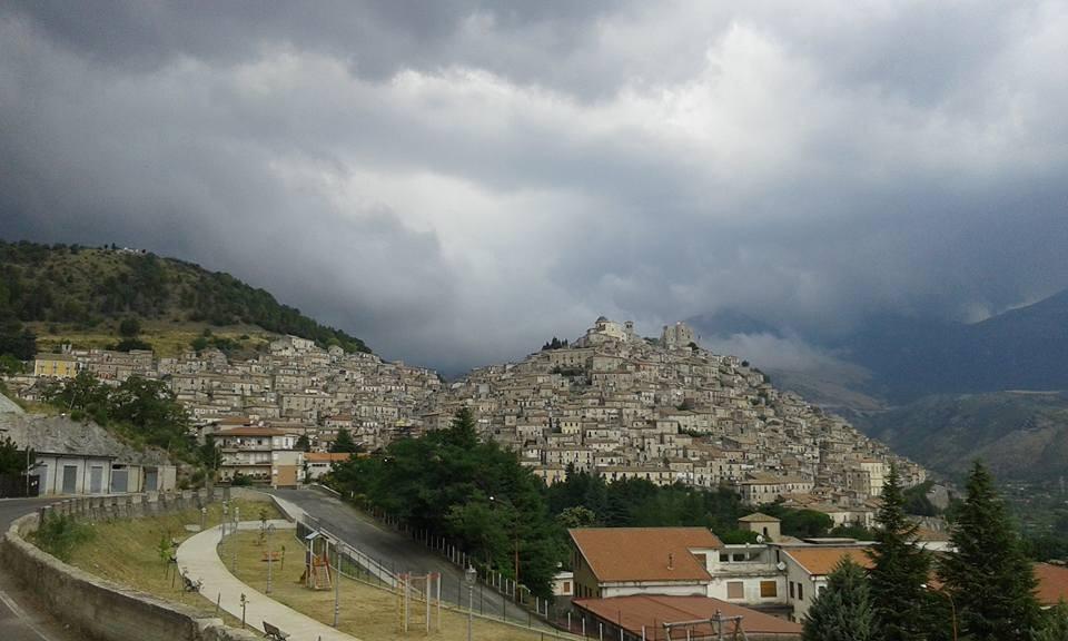 Giovedì con piogge sparse sulla Calabria. Venerdì graduale miglioramento.