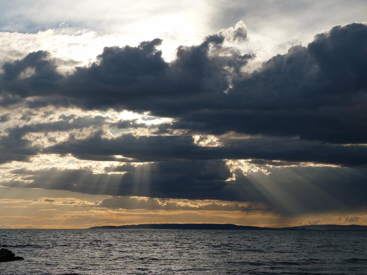 Insiste un flusso di correnti umide atlantiche, temporaneo miglioramento per mercoledì